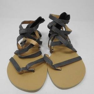 Shoes - Strap sandals in grey